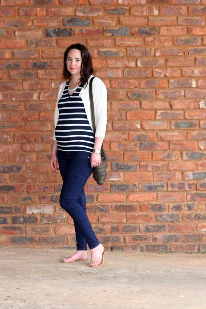 ivory cardigan, striped top, skinny jeans, maternity